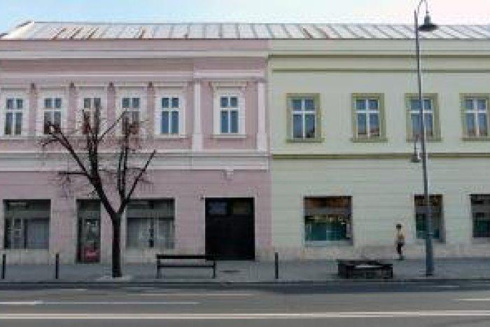 Ilustračný obrázok k článku Predaj Oravy odklepnutý  V pamiatkovo chránenej  budove bude čínsky obchod! fc264a2e31f