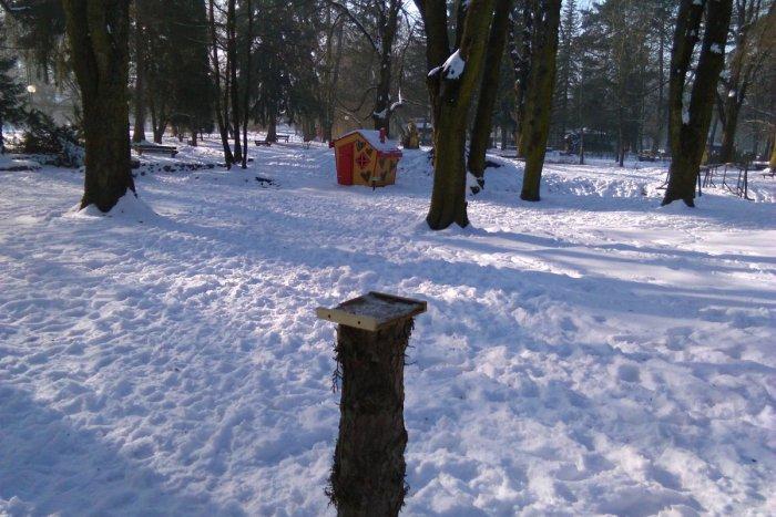 9cbe54038 Ilustračný obrázok k článku FOTO: Vandalom v Lučenci nie je nič sväté.  Pustili sa