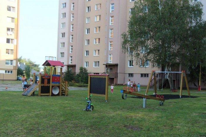Ilustračný obrázok k článku FOTO  Mesto Lučenec pokračuje v rekonštrukcii  detských ihrísk. Takto ich 5b541245950